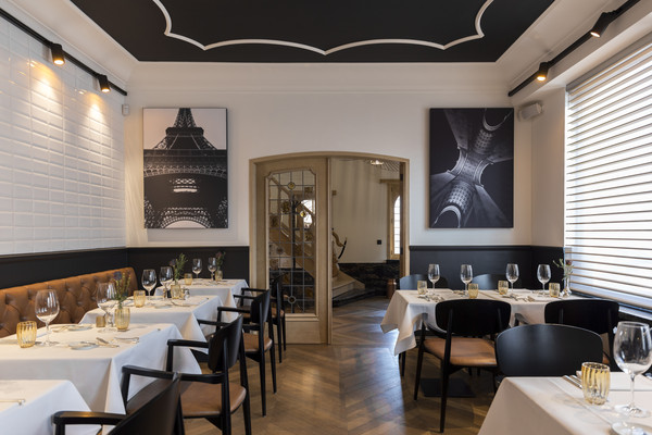 Improving acoustics in hotels and restaurants
